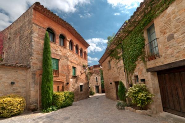 Pueblos medievales cerca de el Estartit